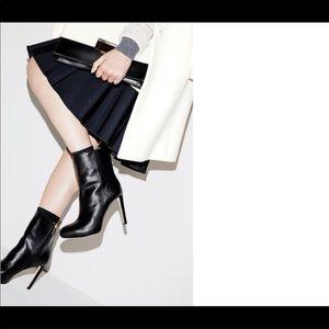 Louise et Cie Valmoral Black Booties size 8.5